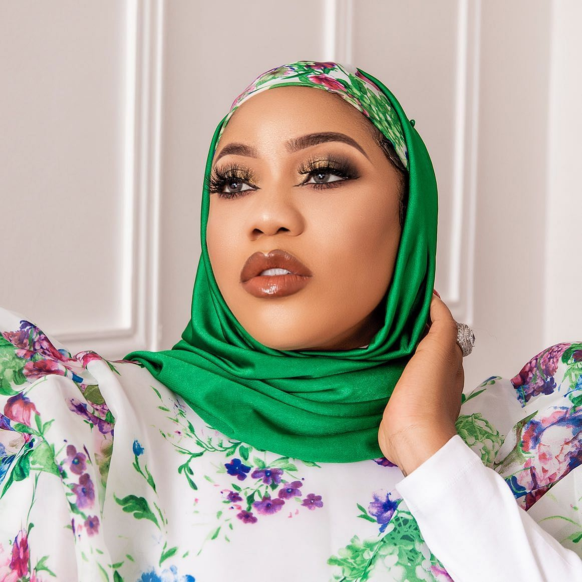 Eid-el-Fitr: Toyin Lawani dares fans, recreates hijab-version of racy nun outfit