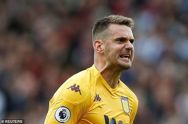 United reportedly agree to sign Tom Heaton from Aston Villa