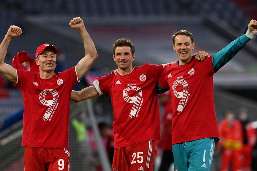 Bayern celebrate title win by demolishing Gladbach