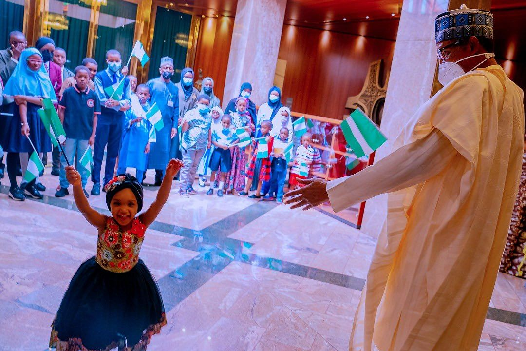 #ChildrensDay: Buhari celebrates with kids in State House (PHOTOS)