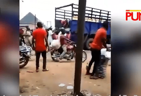 VIDEO: Truck loaded with bags of onion looted in Imo