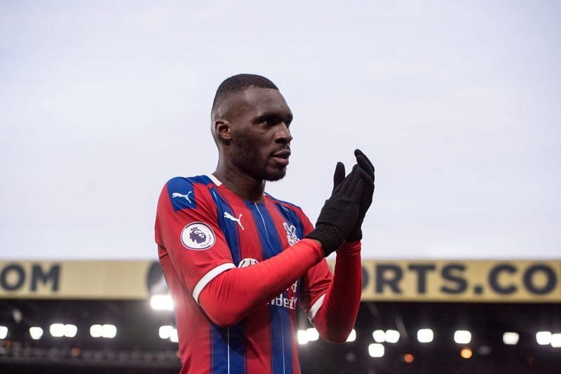 Benteke signs new two-year deal with Crystal Palace