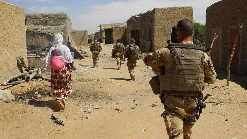Coup: France suspends military ties with Mali