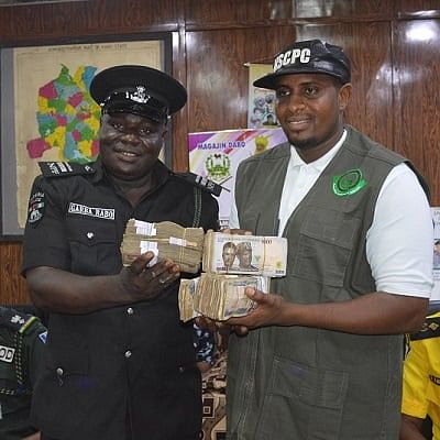 Commissioner rewards two policemen with N1m for rejecting bribe in Kano