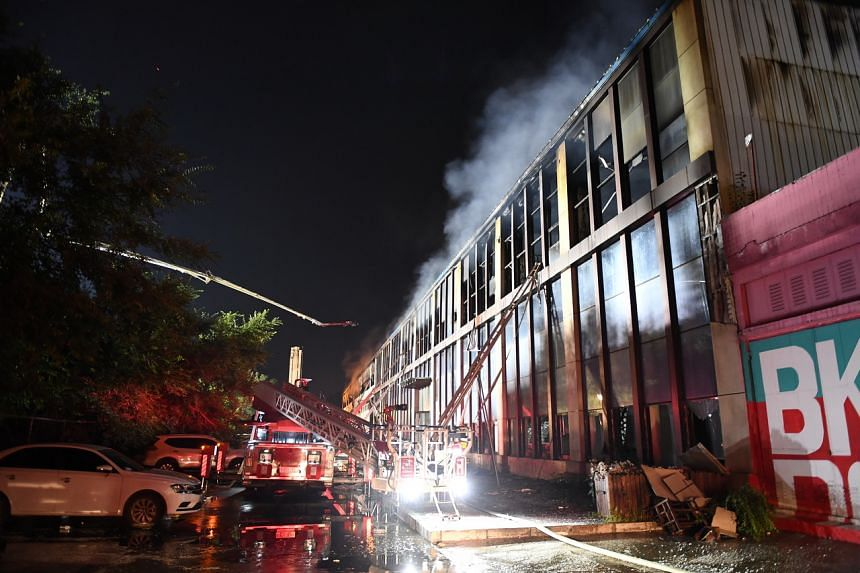 14 dead in China warehouse fire
