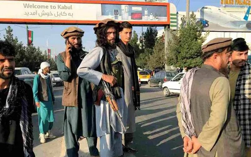 CIA chief flies to Kabul to meet Taliban leader