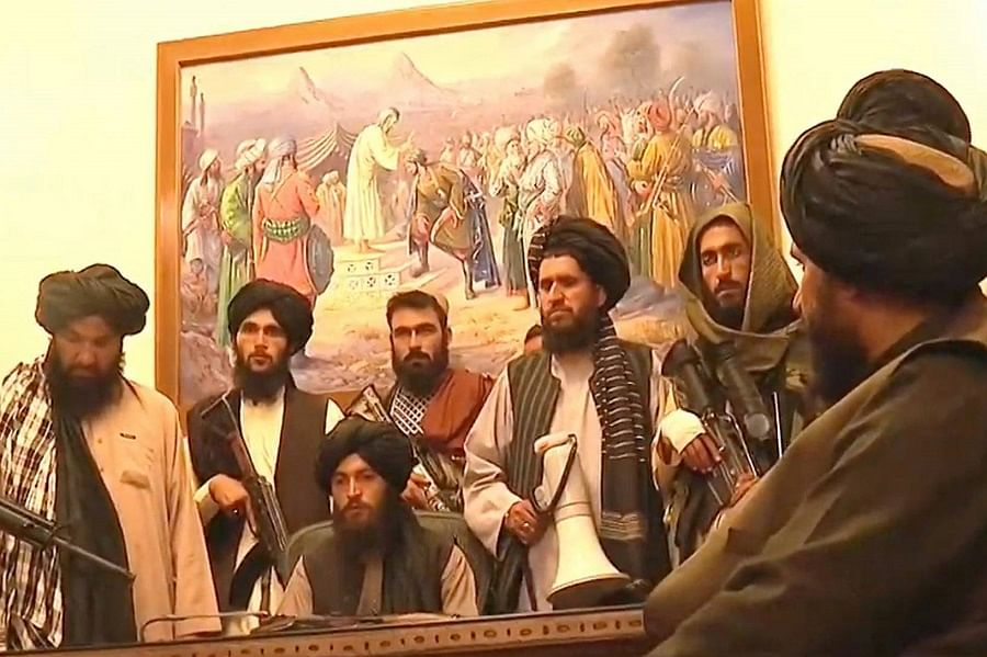 PHOTO: President Ghani flees as Taliban takes over Afghanistan Royal Palace