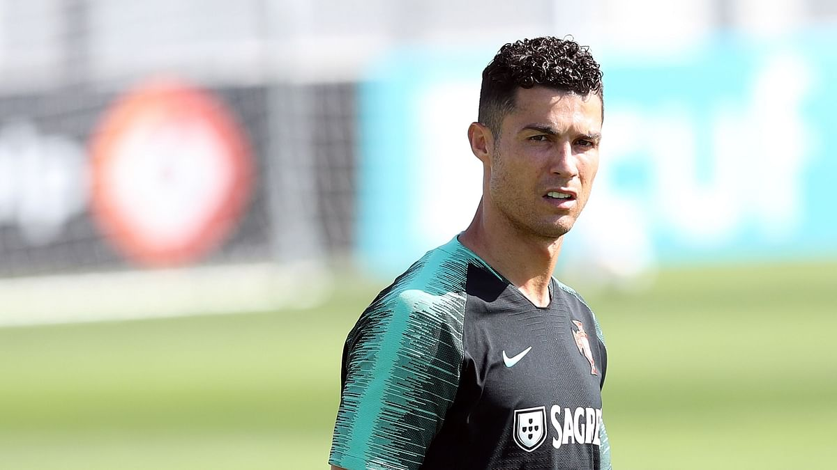 1.5 sec तक हवा में उछले Cristiano Ronaldo