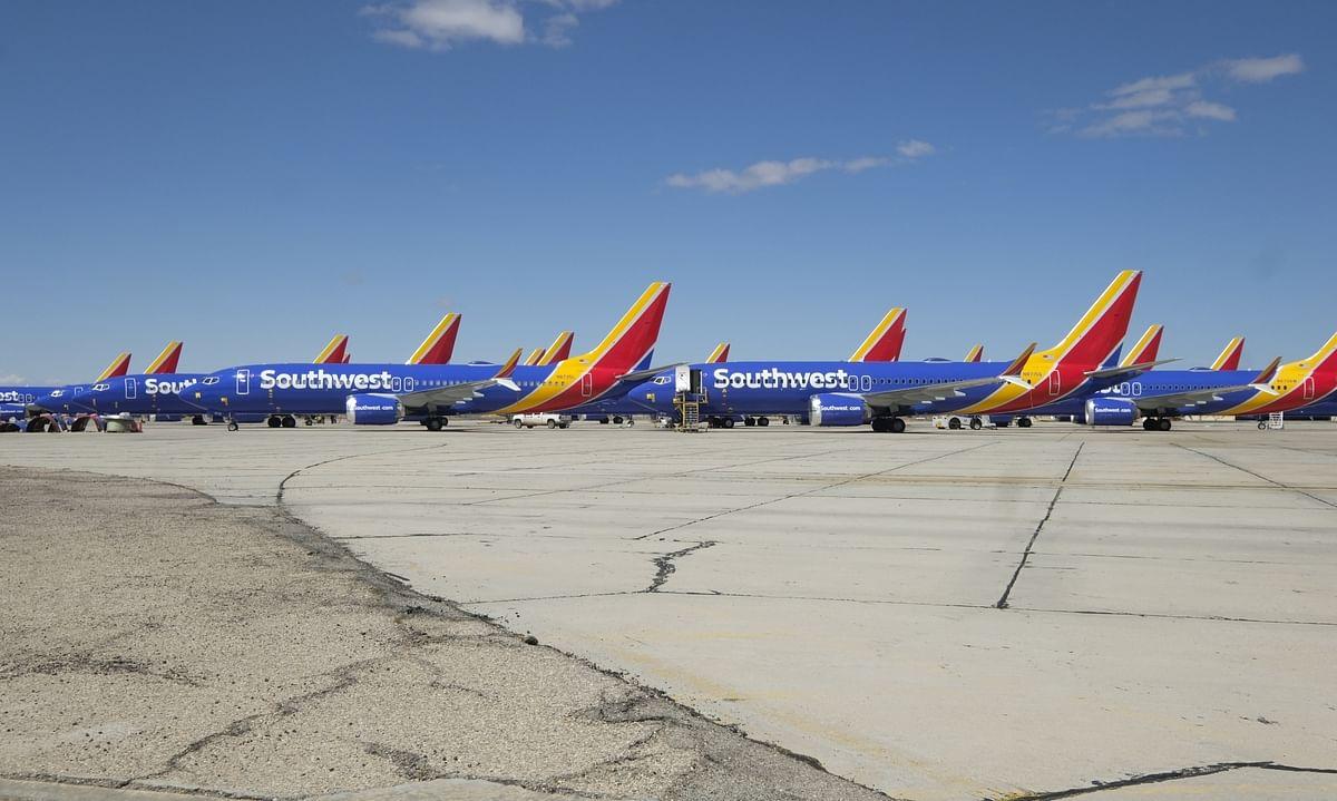 बोइंग ने 737 मैक्स का घाटा घटाने को बैंकों से लिए 12 अरब डॉलर