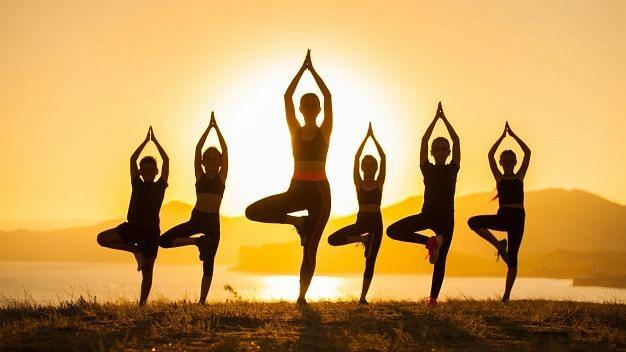 International Yoga Day: यूपी में 'योग एट होम' की थीम पर होगी 'योग दिवस चैलेंज प्रतियोगिता'