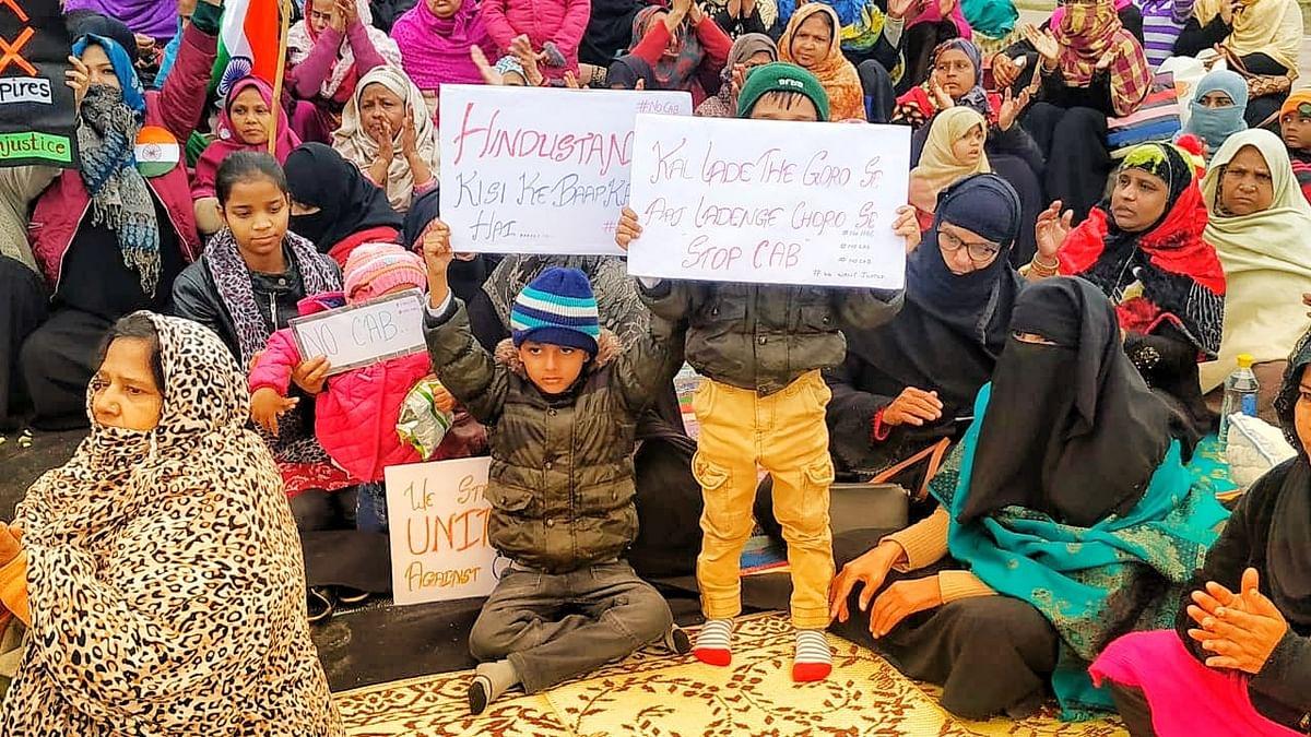 महिलाओं का सत्याग्रह बना मोदी की सबसे बड़ी चुनौती