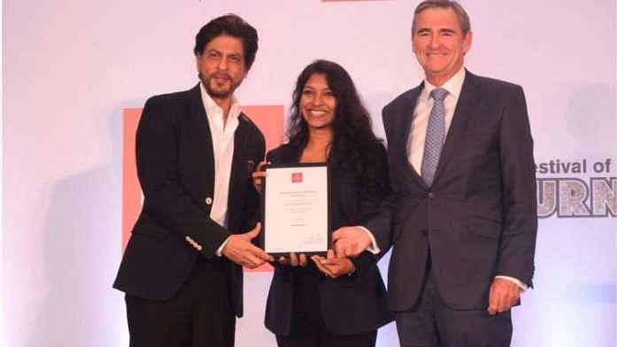 शिक्षित करना और महिलाओं को सशक्त बनाना हर देश के लिए जरूरी है: शाहरुख खान