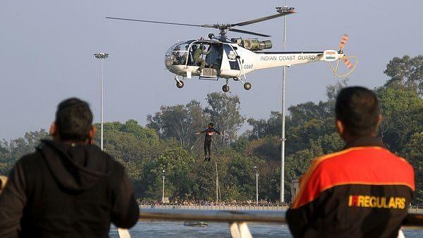 Defence Expo: दुनिया देखेगी सेना का शौर्य, ...देखें PHOTO और VIDEO