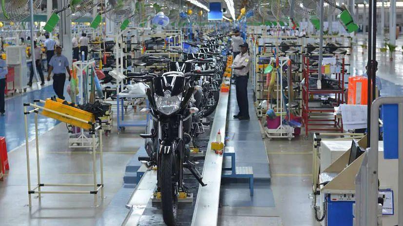 कोरोना संकट: Maruti, Honda, M&M ने प्लांट में कामकाज रोका, टू-व्हीलर कंपनियों ने भी लगाई अस्थायी रोक