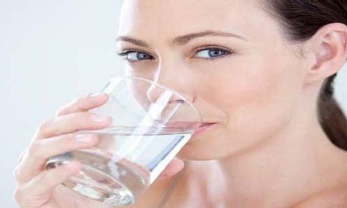 1 दिन में कब, कैसे और किस समय पीना चाहिए पानी...जानें