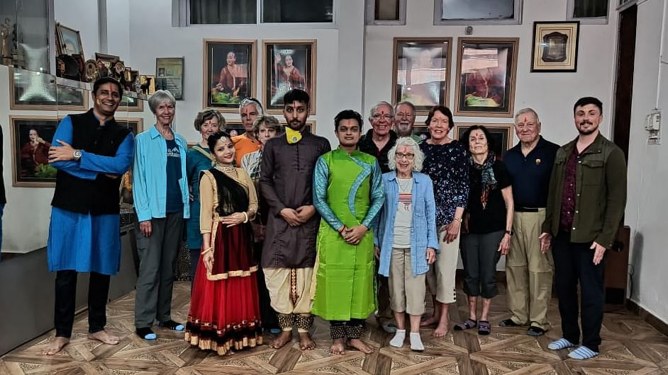 foreign guests with kathak dancers