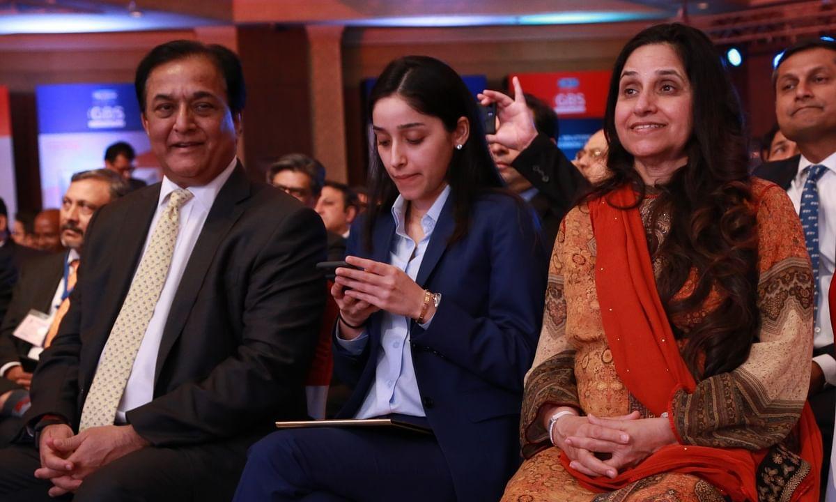 Yes Bank Founder राणा कपूर की बेटी रोशनी को मुंबई एयरपोर्ट पर रोका गया