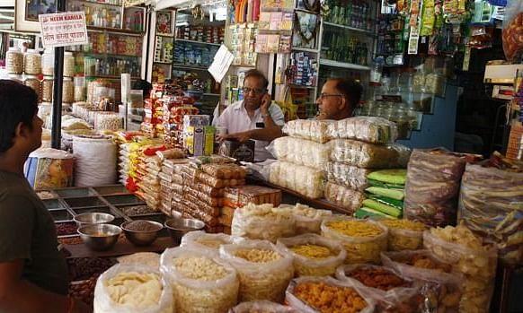 उत्तराखण्ड में राशन की दुकानों में मिलेगा सैनिटाइजर और मास्क