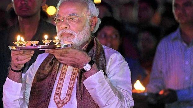 पीएम मोदी ने शुरू किया नवरात्रि का उपवास