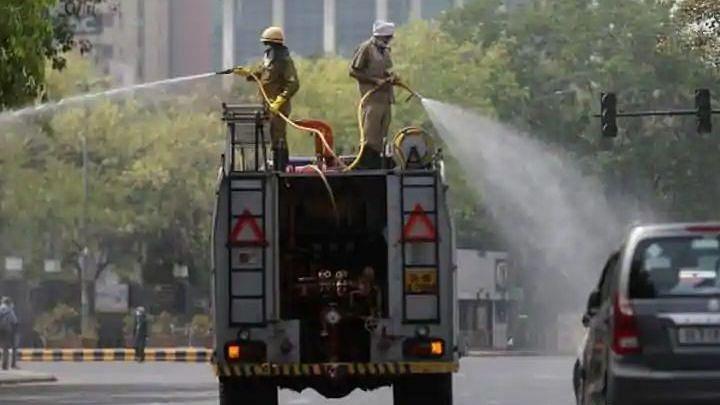 दिल्ली की हालत खराब: जगजीवन राम अस्पताल, AIIMS और नगर निगम स्टाफ भी संक्रमित