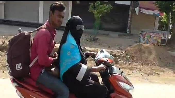 Lockdown: बेटे को लेने दूसरे राज्य पहुंची माँ, स्कूटी से तय किया 1400 किमी का सफर