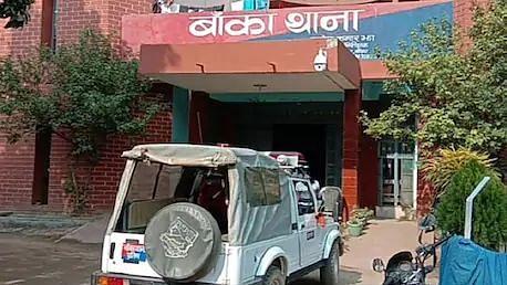 बिहार: शराब रखने के आरोप में दारोगा और चौकीदार गिरफ्तार