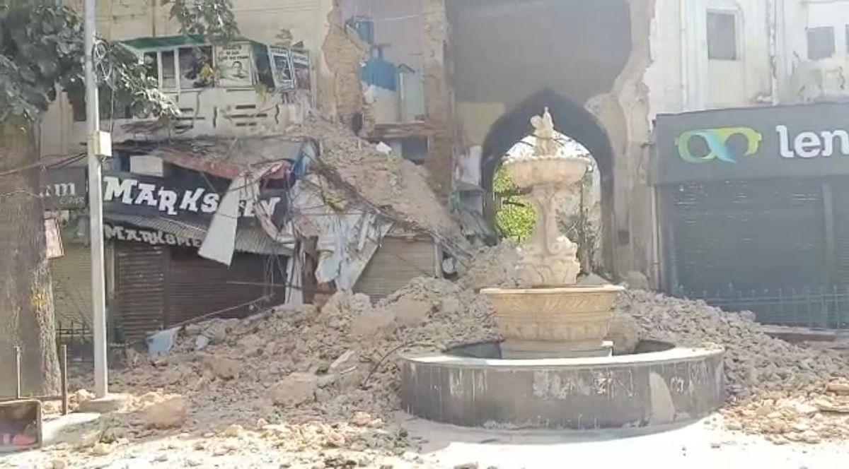 लखनऊ के हजरतगंज में हलवासिया के सामने हादसा, इमारत गिरी- देखें Video
