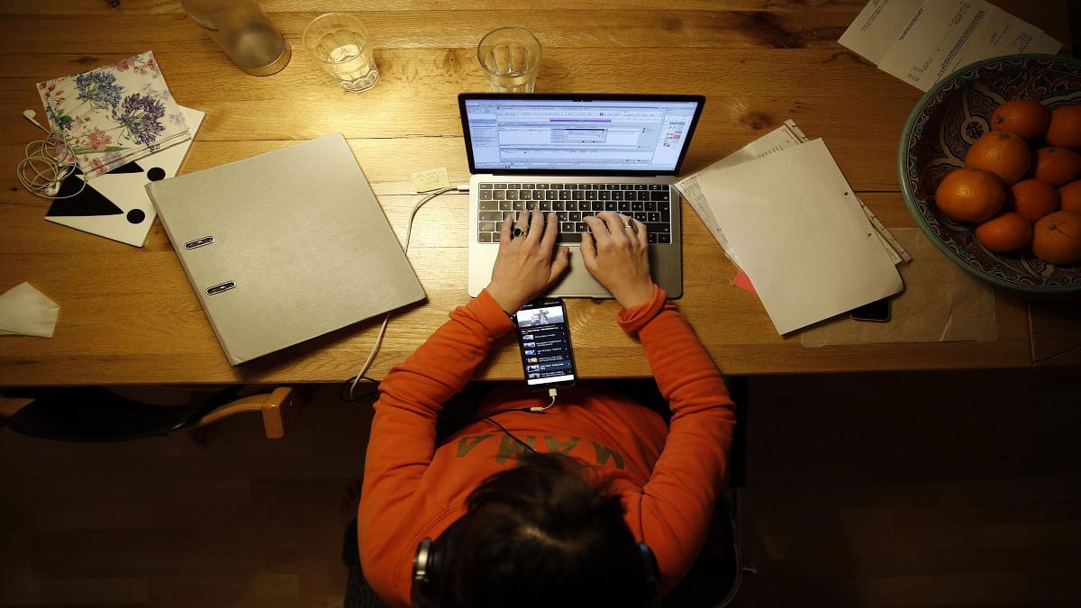 29 प्रतिशत पुरुष, 25 प्रतिशत महिलाएं पहली बार घरों से कर रहे काम