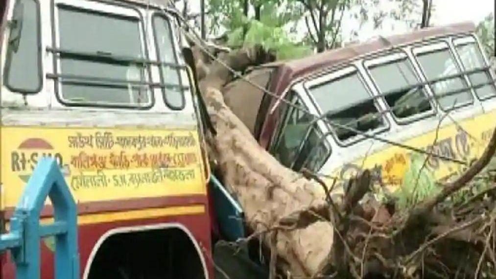 Amphan से तबाही: PM मोदी आज हालात का जायजा लेंगे, ममता बनर्जी ने की थी आने की अपील