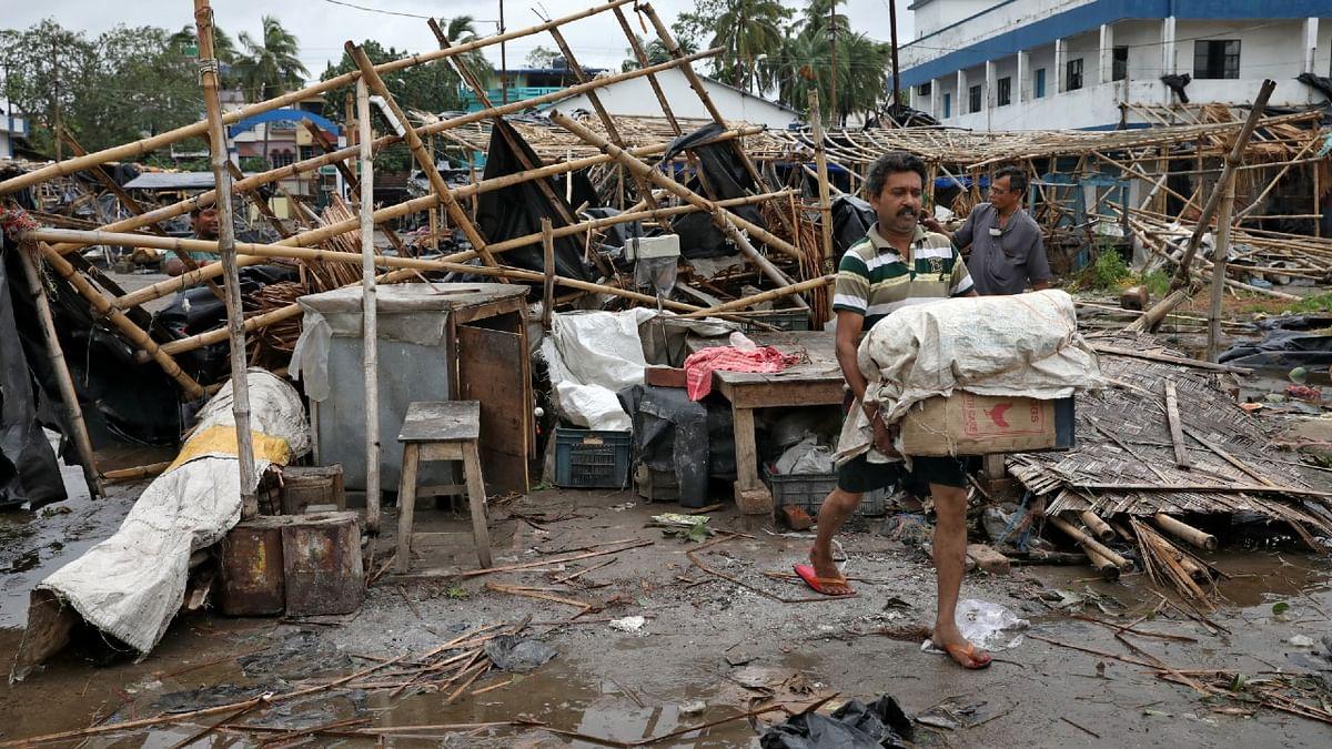 बंगाल में 'अम्फान' से 72 लोगों की मौत, PM मोदी ने दिया मदद का भरोसा, CM ममता देंगी मुआवजा