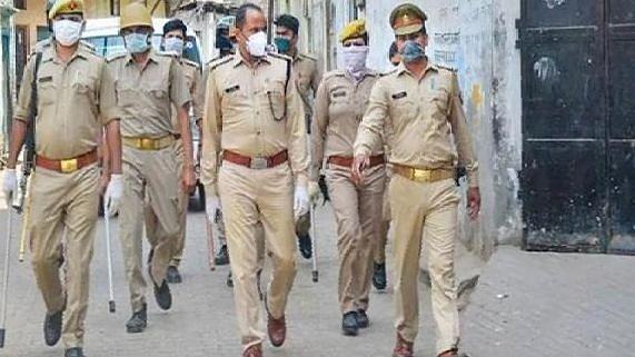 दिल्ली में 7 पुलिसकर्मी मिले कोरोना पॉजिटिव, 30 को किया गया होम क्वारंटाइन