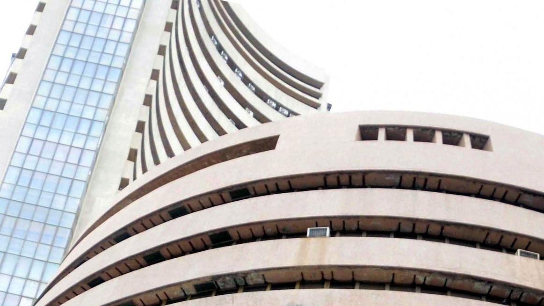 शेयर बाजार: कोरोना के कहर के बीच चौथे सप्ताह रही तेजी