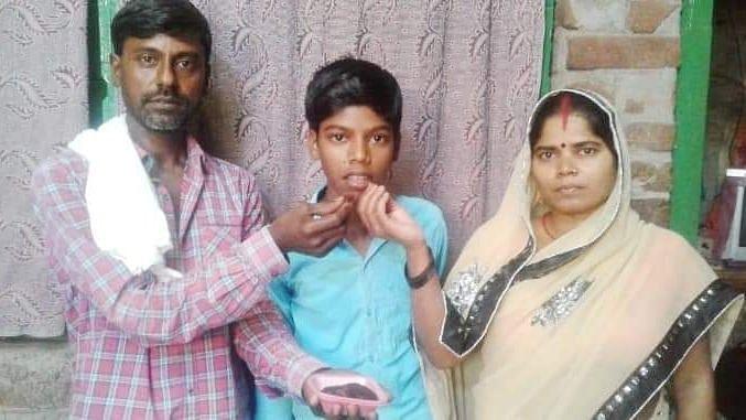 himanshu raj with parents