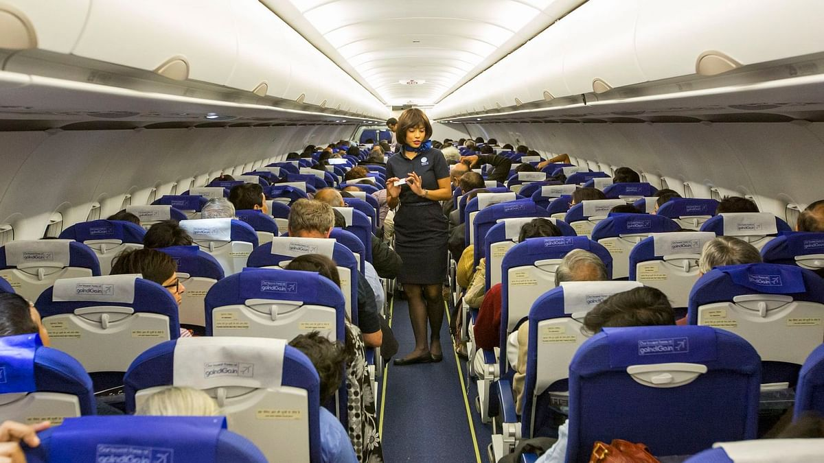 लॉकडाउन 4.0: सरकार ने घरेलू उड़ानों के लिए किराया सीमा तय की, सोशल डिस्टेंसिंग के नाम पर बीच वाली सीट खाली नहीं रहेगी