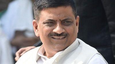 नीतीश के मंत्री संजय झा का दावा... दिल्ली सरकार ने मांगा प्रवासी श्रमिकों के रेल टिकट का पैसा