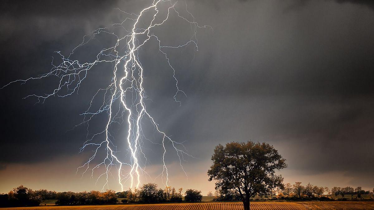 बिहार में बिजली गिरने से फिर गईं 13 जानें