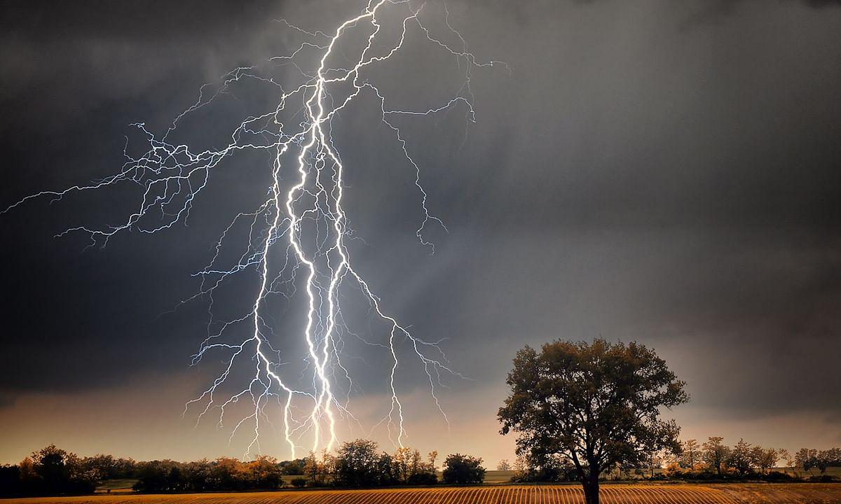 बिहार में आकाशीय बिजली गिरने से 83 लोगों की मौत, यूपी में भी कई लोग आए चपेट में