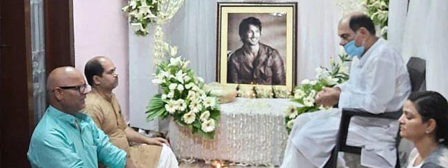 सुशांत सिंह राजपूत को आखिरी विदाई, बहन ने सोशल मीडिया पर लिखा भाई के लिए प्यार