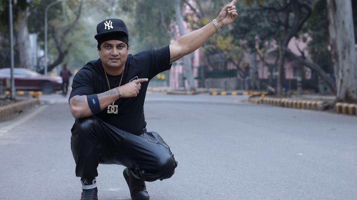 बिहार के फेमस रैपर हितेश्वर का नया रैप 'पढ़ेगा लिखेगा तो होगा नवाब' यूथ को आया खूब पसंद, viral