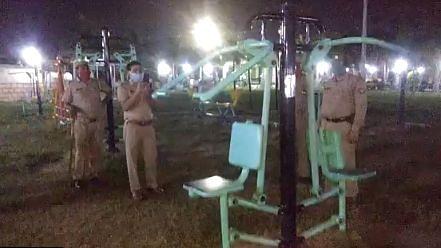 झांसी: जब पार्क में 'भूत' करने लगा एक्सरसाइज! Video वायरल होने से लोगों में दहशत, पुलिस ने बताई पूरी सच्चाई