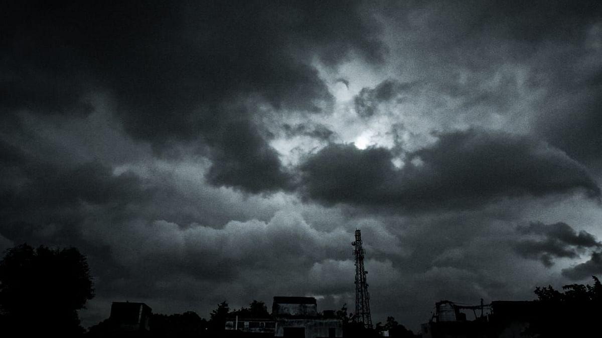 UP: लखनऊ समेत इन 10 जिलों में तेज आंधी-बारिश की चेतावनी