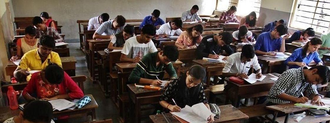 यूपी में नहीं होंगी यूनिवर्सिटी की परीक्षाएं, 48 लाख छात्र होंगे अगली कक्षा में प्रोन्नत
