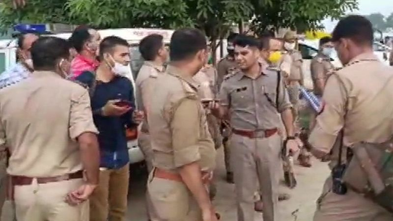 कानपुर देहात में हिस्ट्रीशीटर को पकड़ने गई पुलिस टीम पर बदमाशों ने झोंकी फायरिंग, DSP सहित 8 जवान शहीद