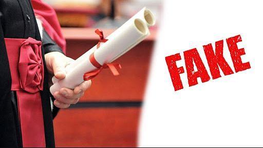 फर्जी डिग्री/असली नौकरी: फर्रुखाबाद में 10 शिक्षकों के खिलाफ अलग-अलग थानों में रिपोर्ट दर्ज