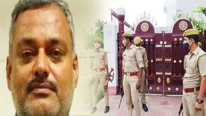 बिकरू कांड के बाद से फरार चल रहा विकास दुबे का भाई दीप प्रकाश, पुलिस ने घोषित किया 20 हजार का इनाम
