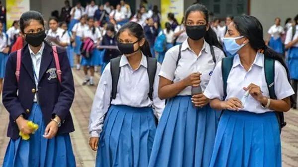 अभिभावकों ने पीएम मोदी को लिखा पत्र, स्कूलों में जीरो सत्र घोषित करने की मांग