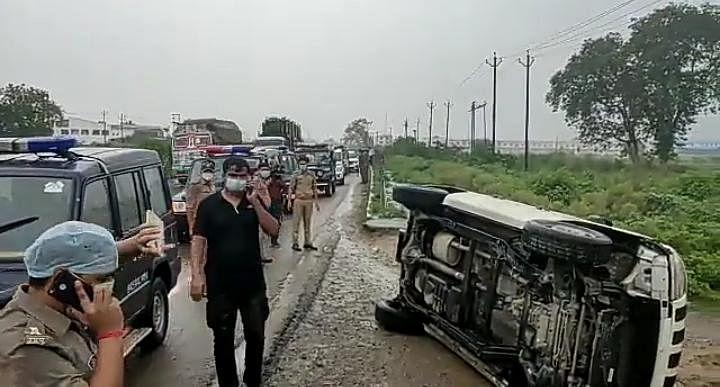 कानपुर पुलिस ने बताई STF की गाड़ी पलटने, विकास के भागने और फिर ढेर किये जाने की कहानी