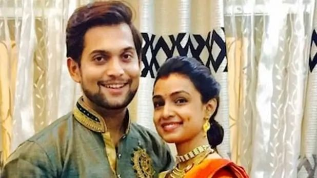 Ashutosh with wife Mayuri, who is also a famous artiste of Marathi Cinema and television