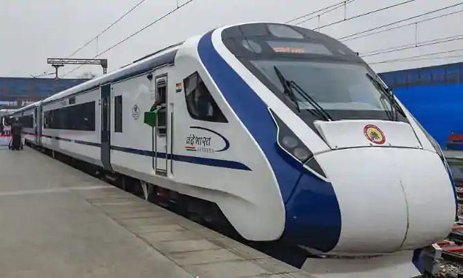 पीएम मोदी ने रेलवे के 100 % इलेक्ट्रीफिकेशन को दी मंजूरी, भारतीय रेल को दुनिया का सबसे बड़ा ग्रीन रेलवे होने की उम्मीद