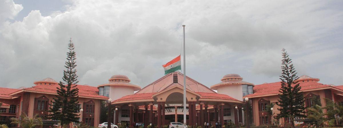 गोवा विधानसभा ने इरफान खान, ऋषि कपूर व सुशांत सिंह के लिए जताया शोक, रखा मौन